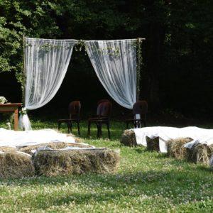 polgári-szertartás-gézaháza-bakony-hubertus-fogadó-rusztikus-esküvői-helyszín